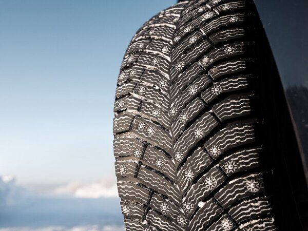 Michelin X-Ice North 4  215/60 R17 100T